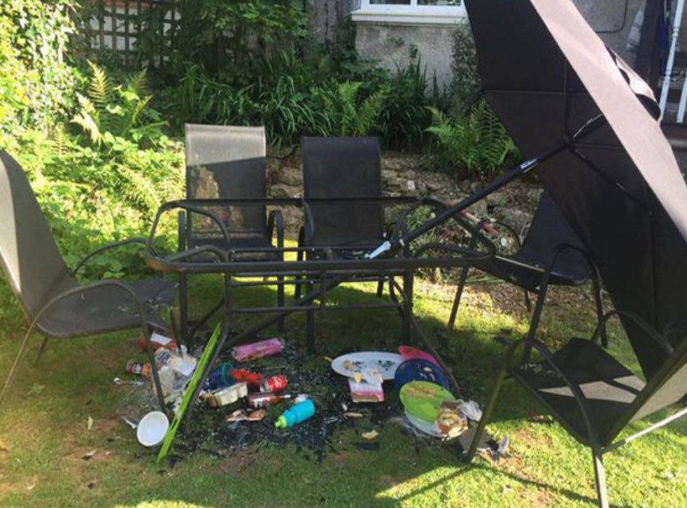 Families Warned Over Exploding Tables From Argos And Asda As Heatwave Returns The Independent - Why Do Glass Tables Explode