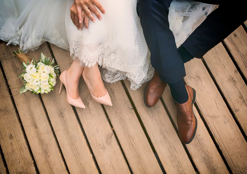 Thrifty Bride Who Spent Just 1 000 On Wedding Shares Her Top Money
