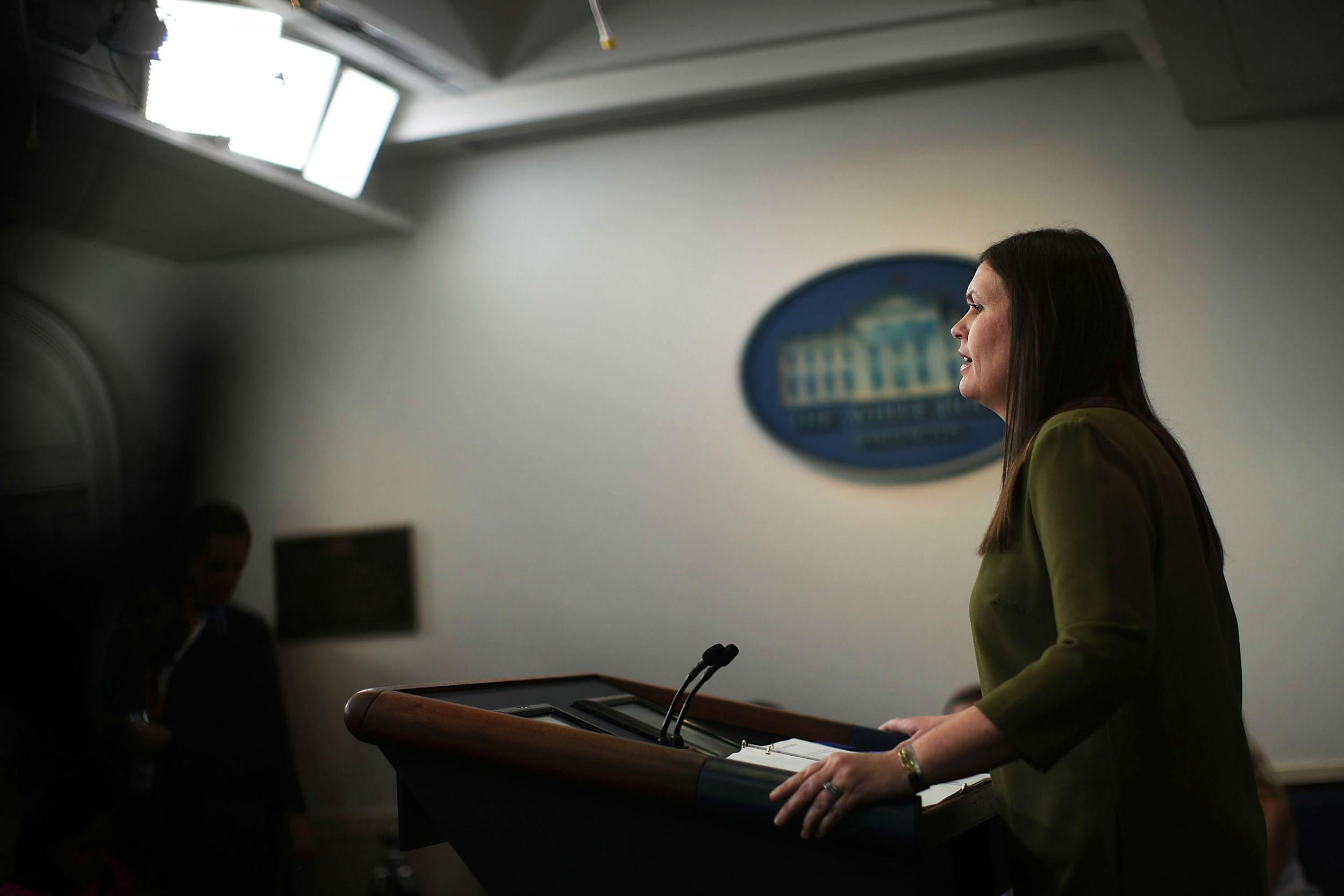 Reporter hailed as hero after broadcasting off-camera press briefing in defiance of White House rules