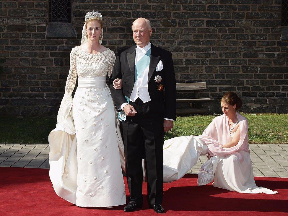 15 Photos That Show What Royal Wedding Dresses Look Like Around The