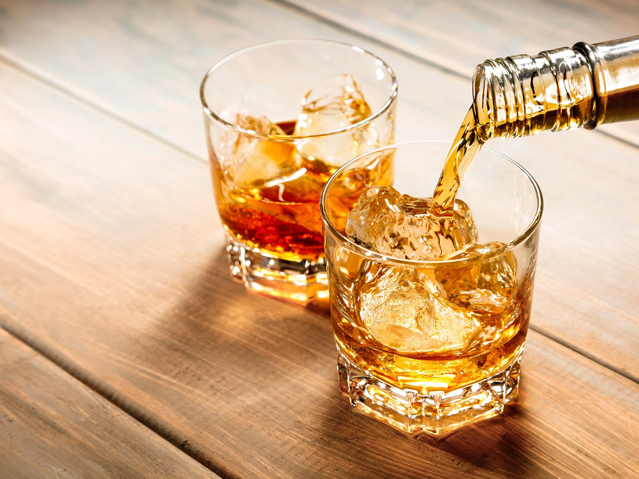 When is it ok to drink whisky with ice? Anthony Bourdain reveals his golden rule