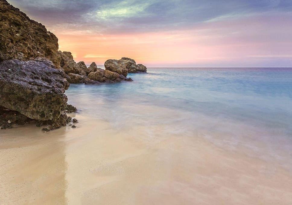 Saudi Arabia to turn 50 Red Sea islands into luxury tourism