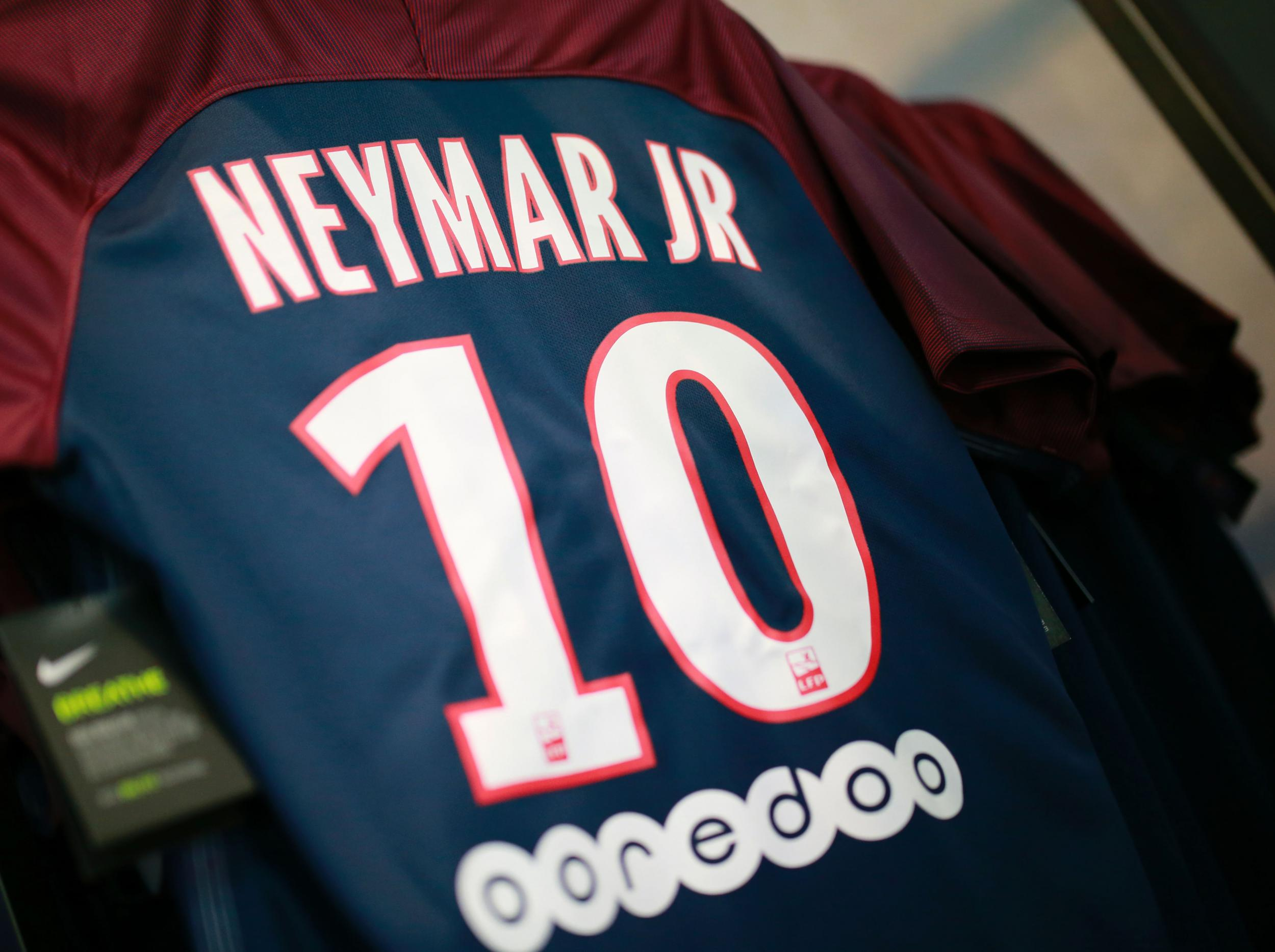 new product f93e1 392a5 Neymar given the number 10 shirt at Paris Saint-Germain as ...