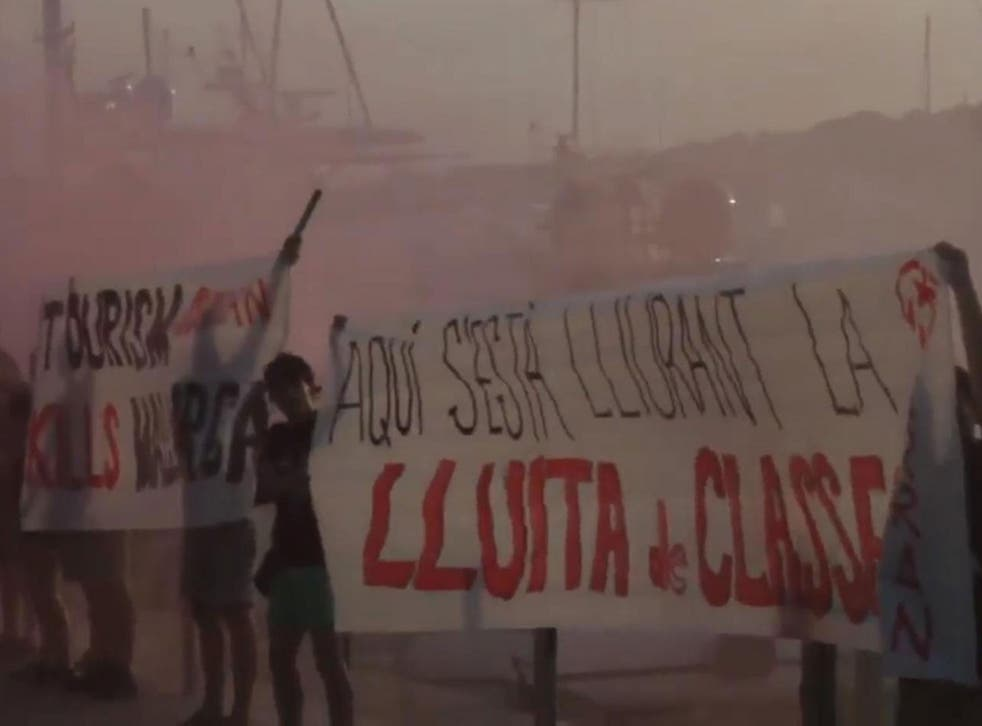 Members of Spain's Arran anarchist group protesting in Palma de Mallorca