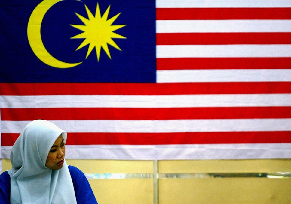 Malaysia Government Minister Calls For Atheists To Be Hunted Down