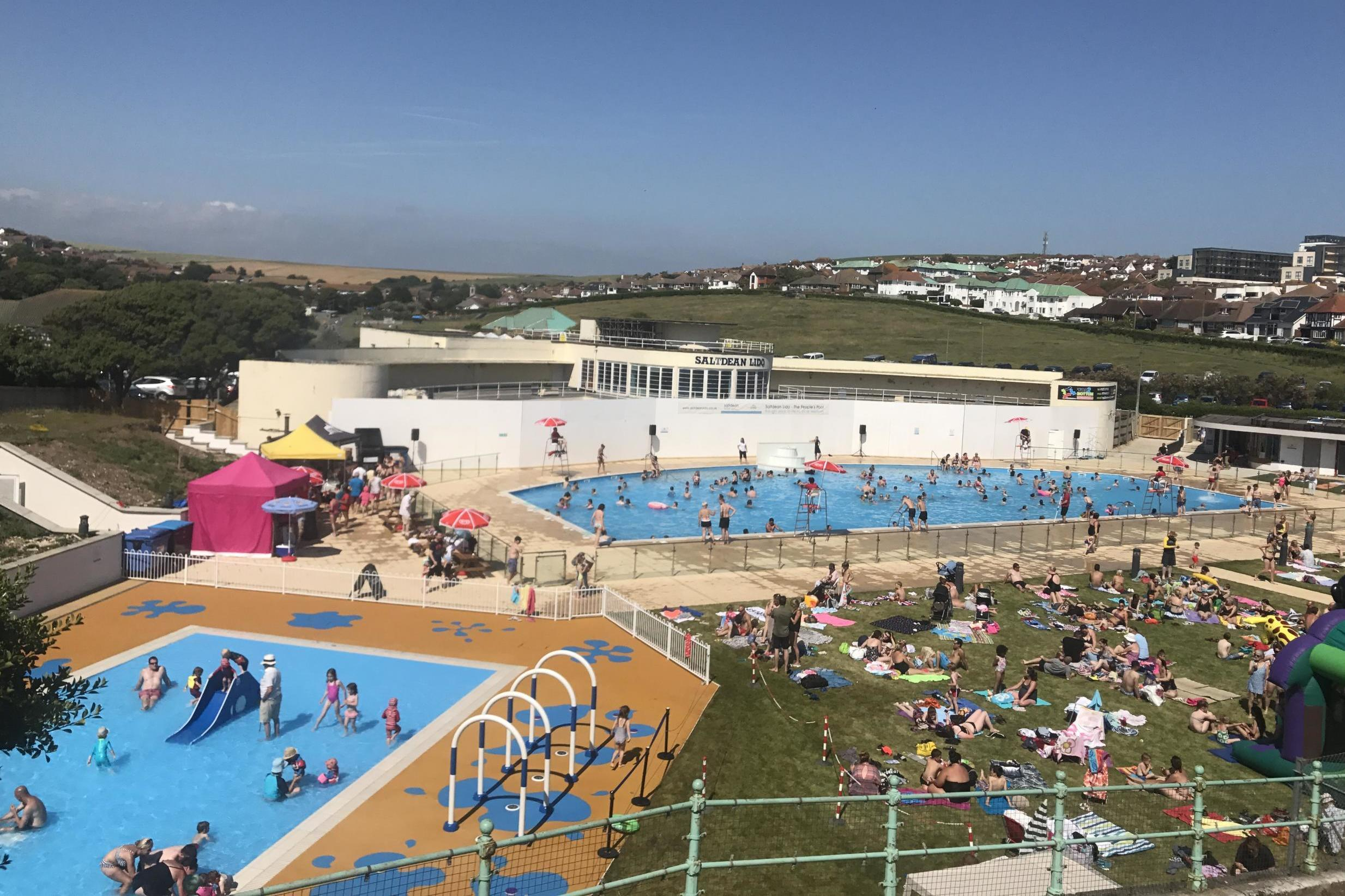 10 Of The Best Lidos And Outdoor Pools In The Uk The Independent