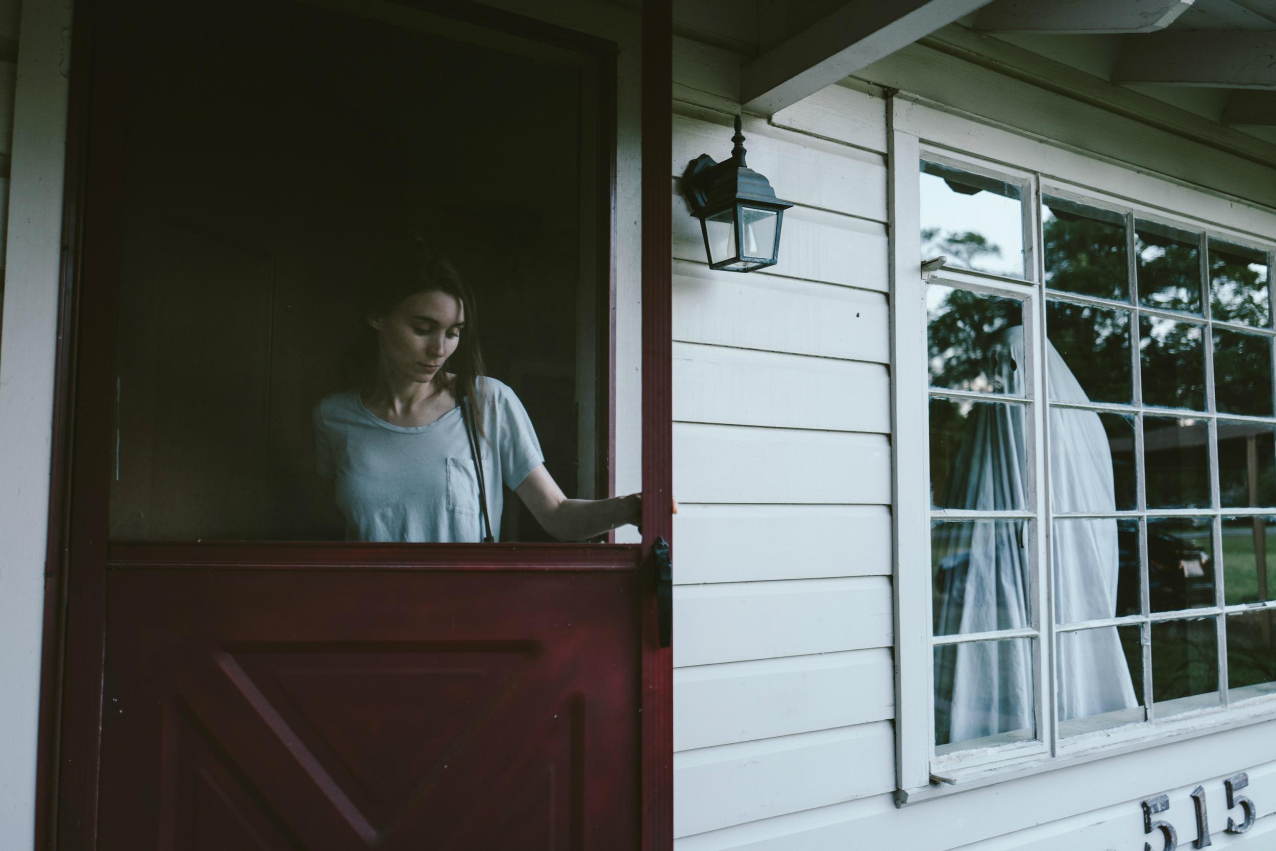 Film reviews round-up: A Ghost Story, Annabelle: Creation, Atomic Blonde,  Step, The Nut Job 2 | The Independent