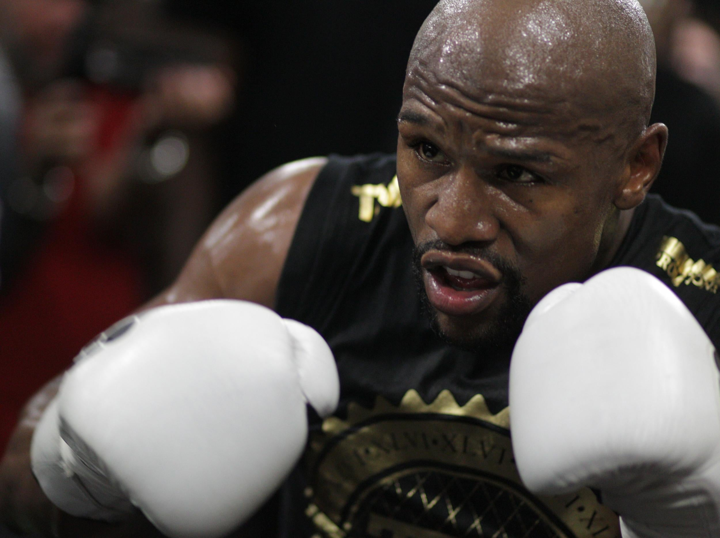 new product 41c9f c3c9d Explained  Why Floyd Mayweather asked the Nevada State Commission to fight  Conor McGregor in 8oz gloves   The Independent