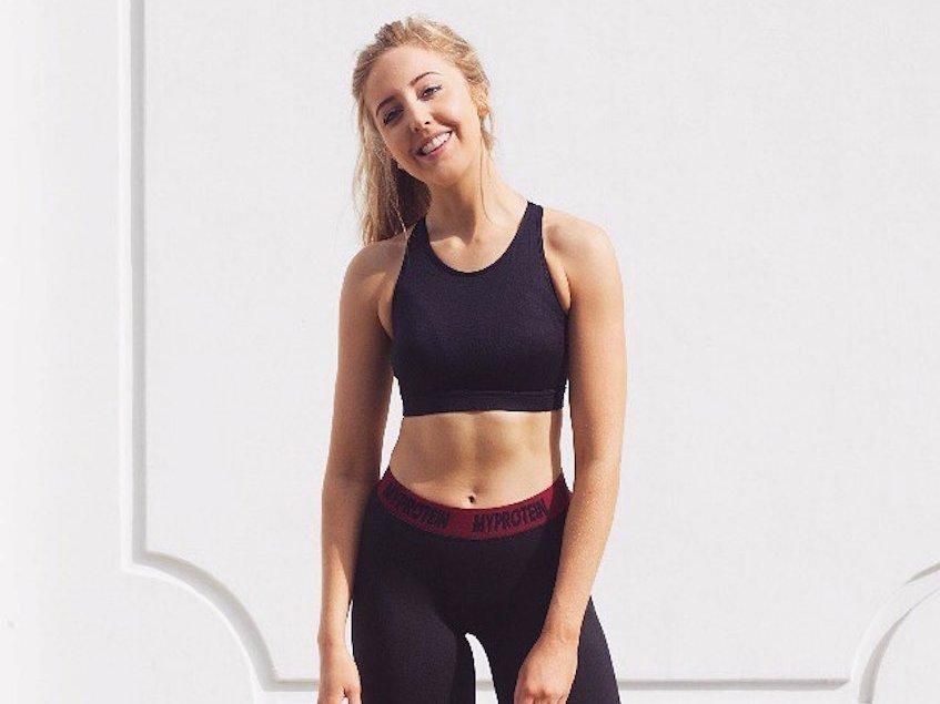 A fitness blogger posts comparisons that prove calories don't make foods healthy or unhealthy — and the internet loves it