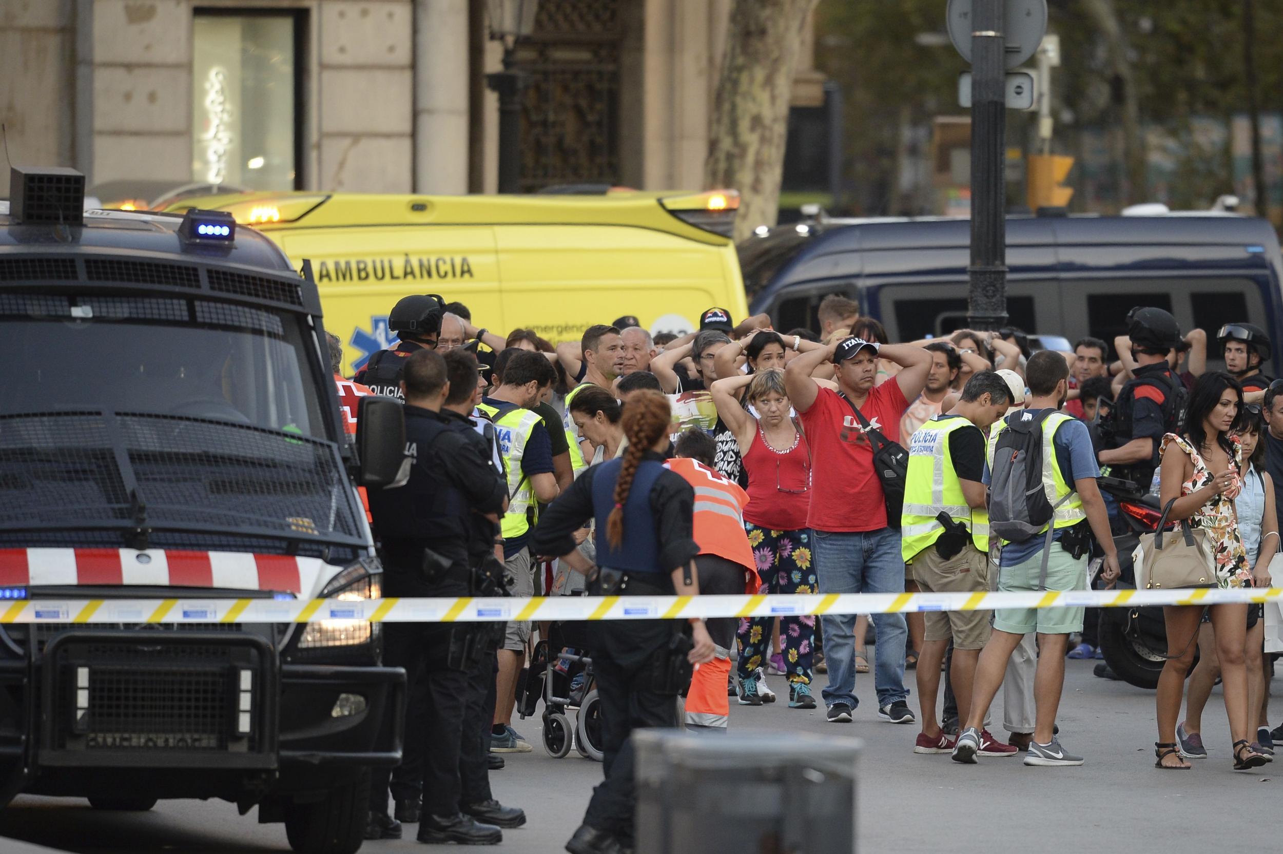 Terroranschlag Twitter: Barcelona Attack: Woman Caught Up In Third Terror Event