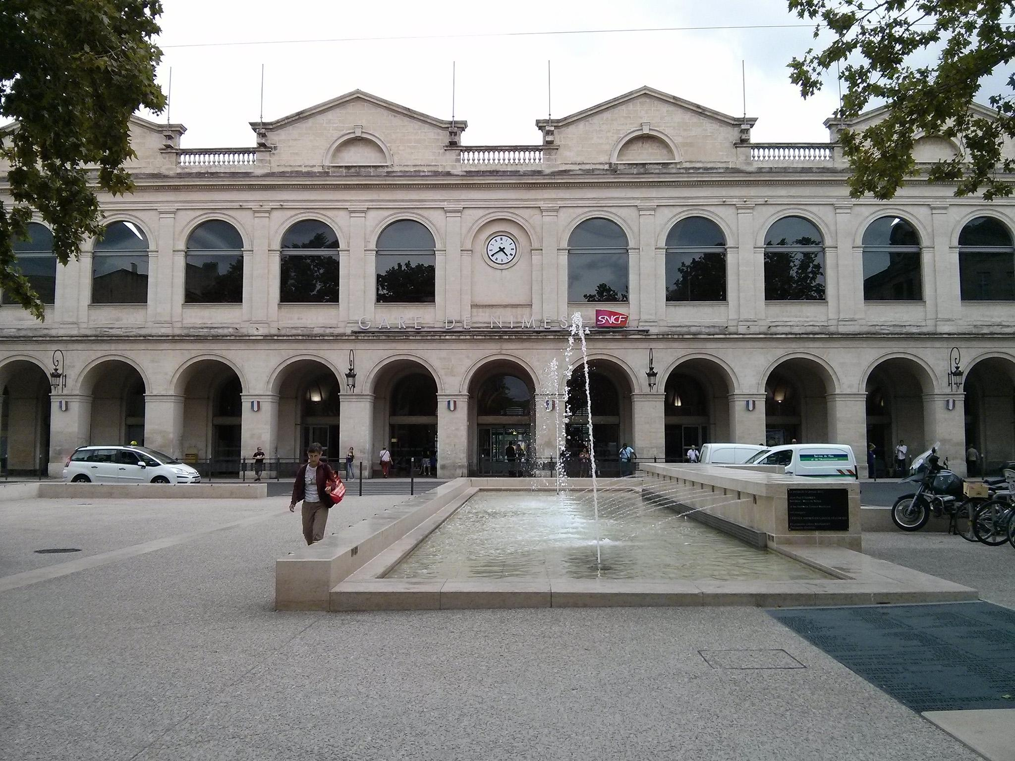 Nimes railway station evacuated following reports of amp apos armed