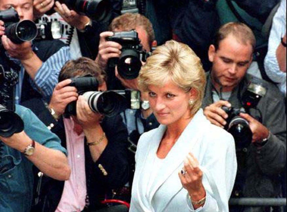 prince harry says same paparazzi who chased diana s car into paris tunnel took photos of her dying in back seat the independent the independent prince harry says same paparazzi who