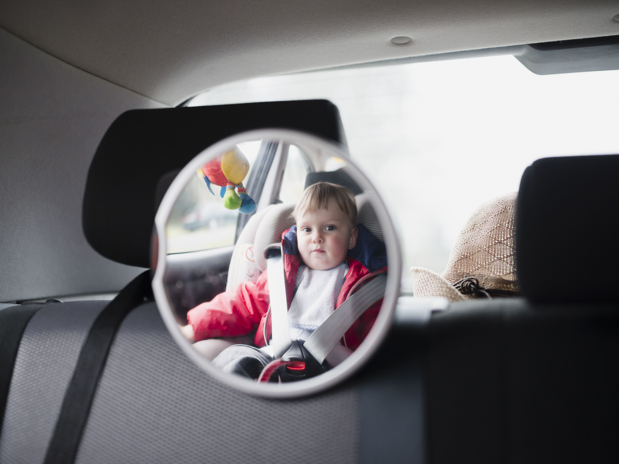 What are the advantages of orthopedic child seats for the child?