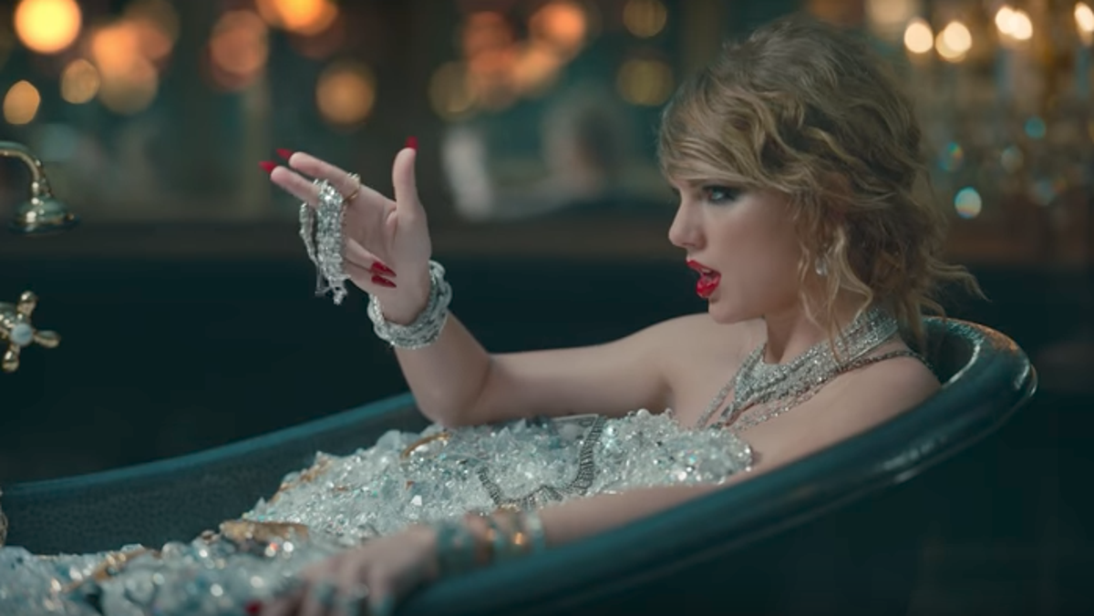 Taylor Swift Is Not Manipulative She S Smart Says Director Joseph Kahn The Independent The Independent