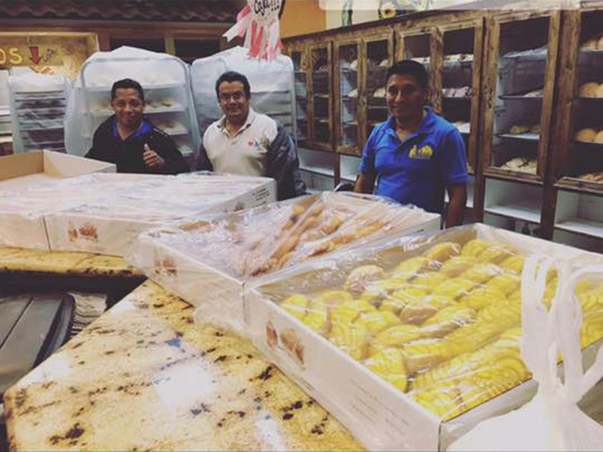 Trapped Mexican bakers make 'pan dulce' bread for hundreds of Harvey victims