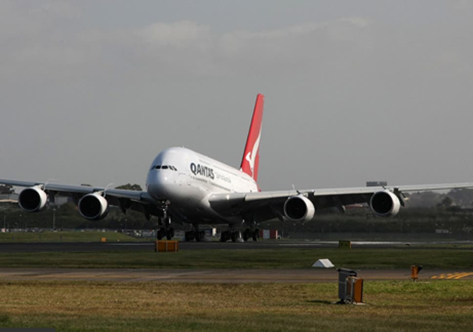 Qantas swaps Dubai for Singapore as stopover hub on London