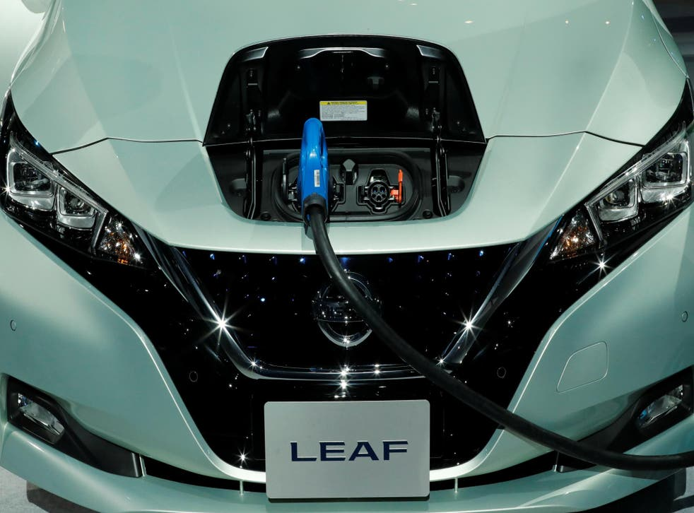 Nissan say it aims to sell 90,000 Leaf electric vehicles