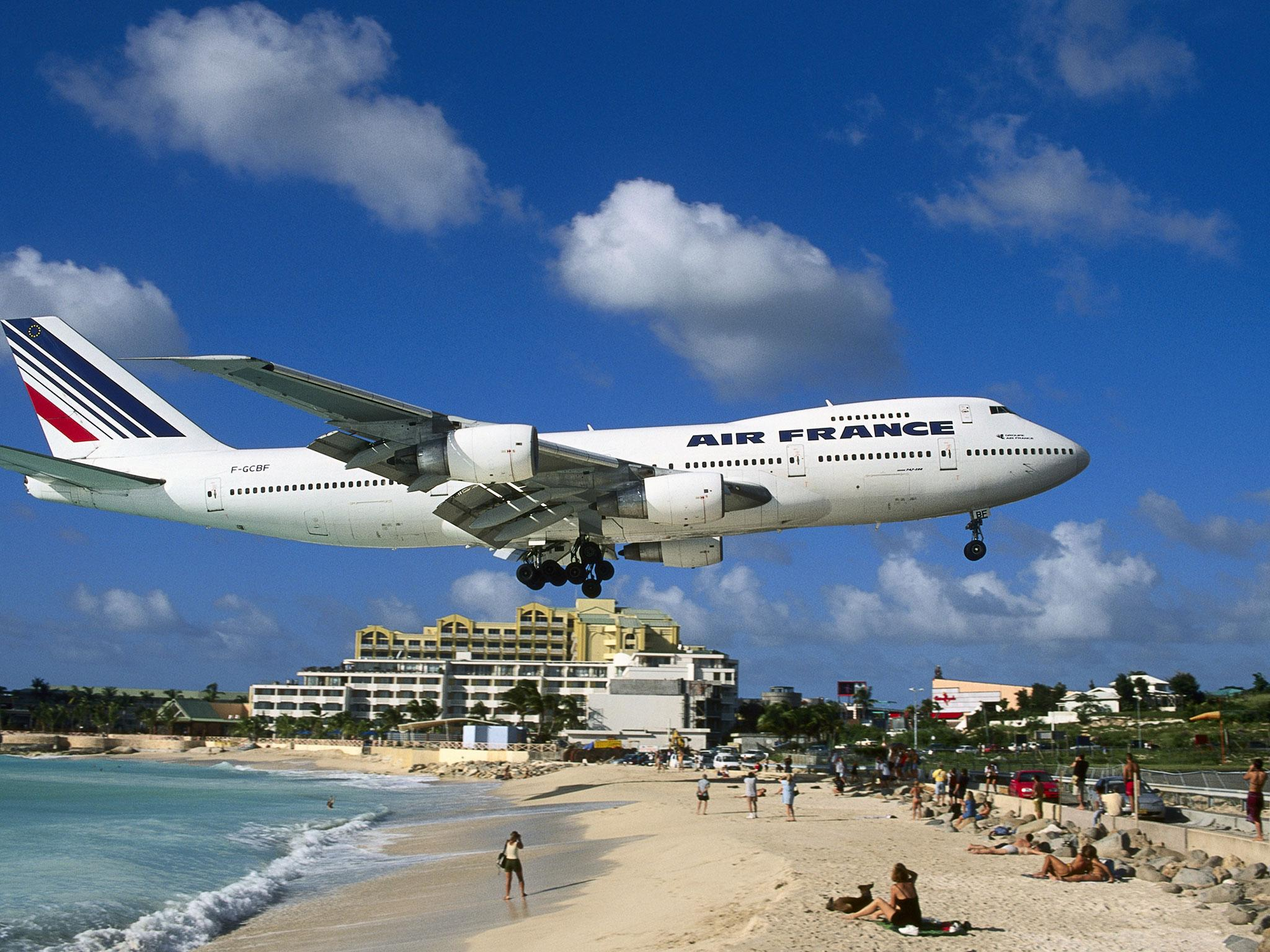 Irma World Famous St Martin Airport Where Planes Fly Over