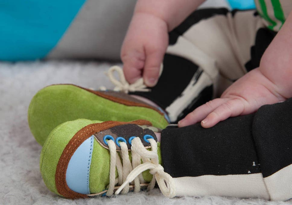10233583983c Baby steps  children s shoes can help strengthen ligaments and improve  posture