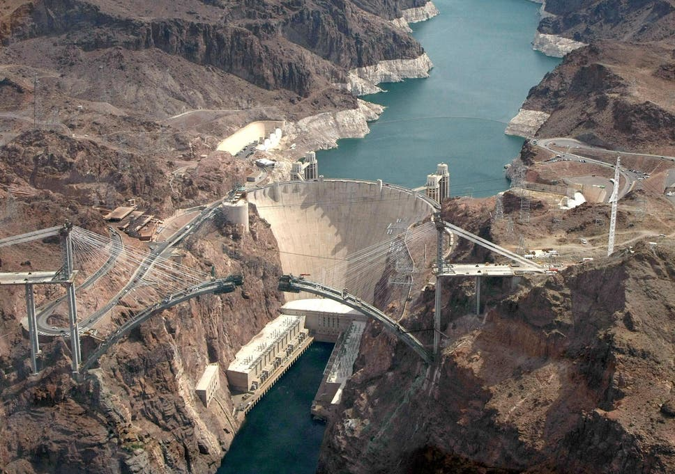 drunk welsh man survives swim across hoover dam and gets 330 fine