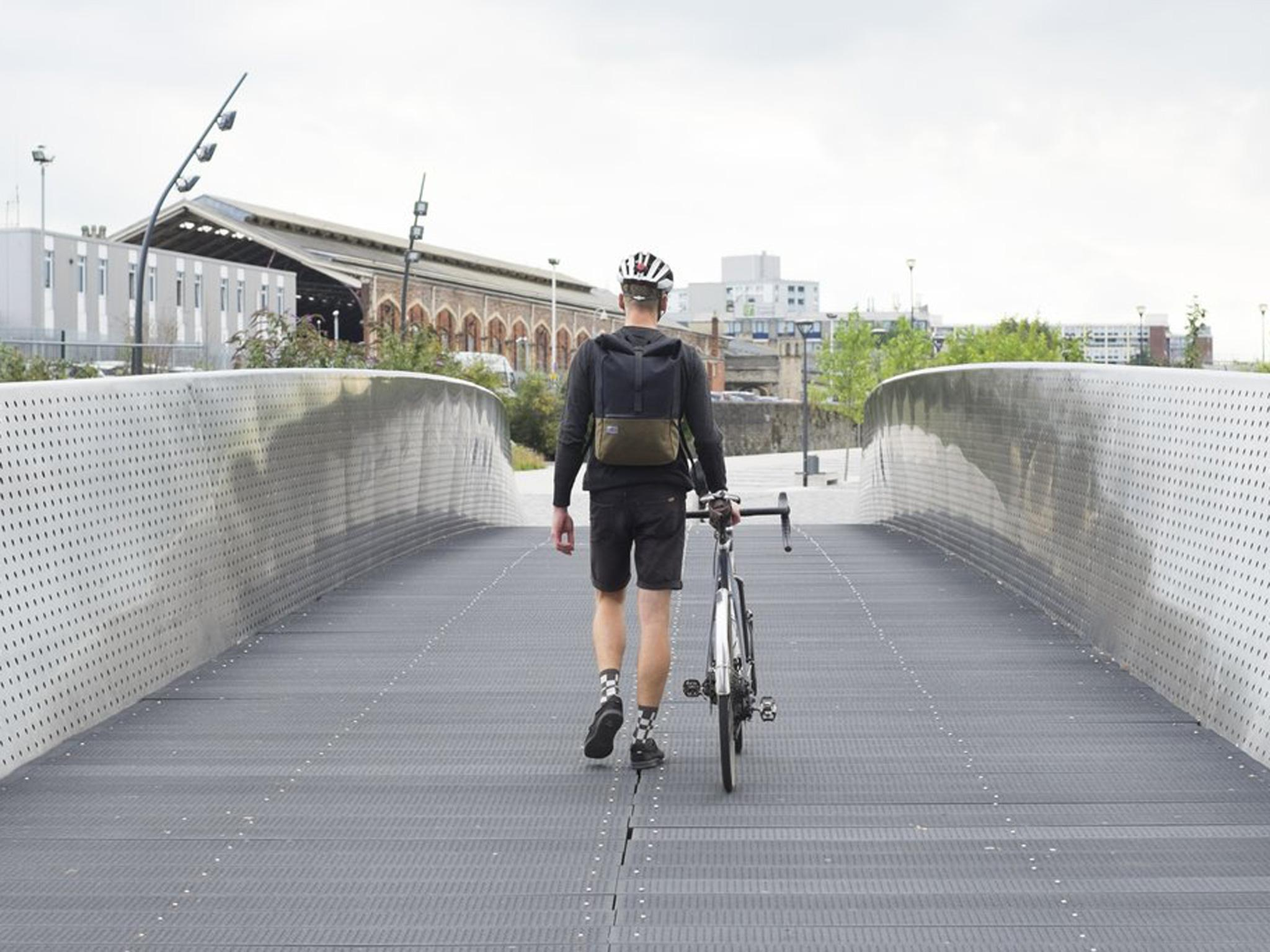 ad2f79fae0 12 best cycling bags for commuting