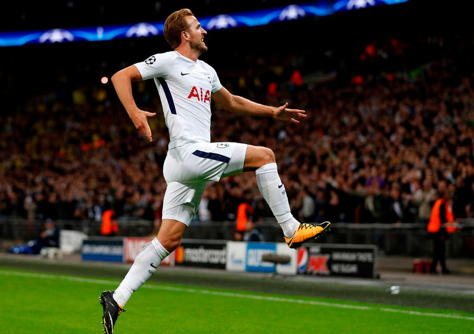 Football stars glory gap slamming