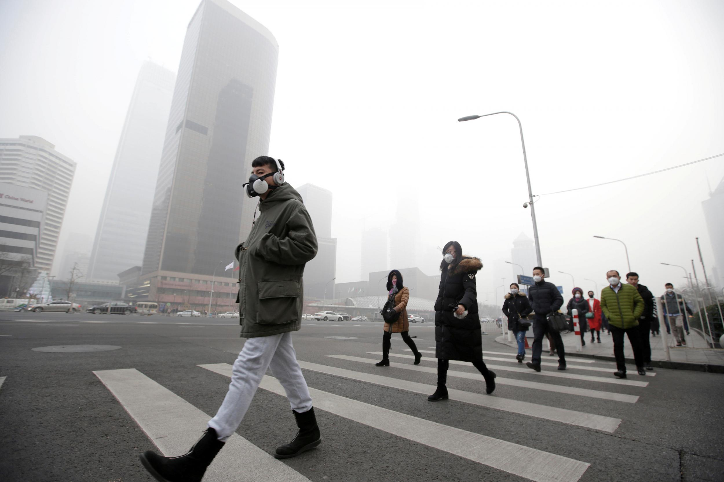 Air pollution puts city residents in bad mood, study suggests