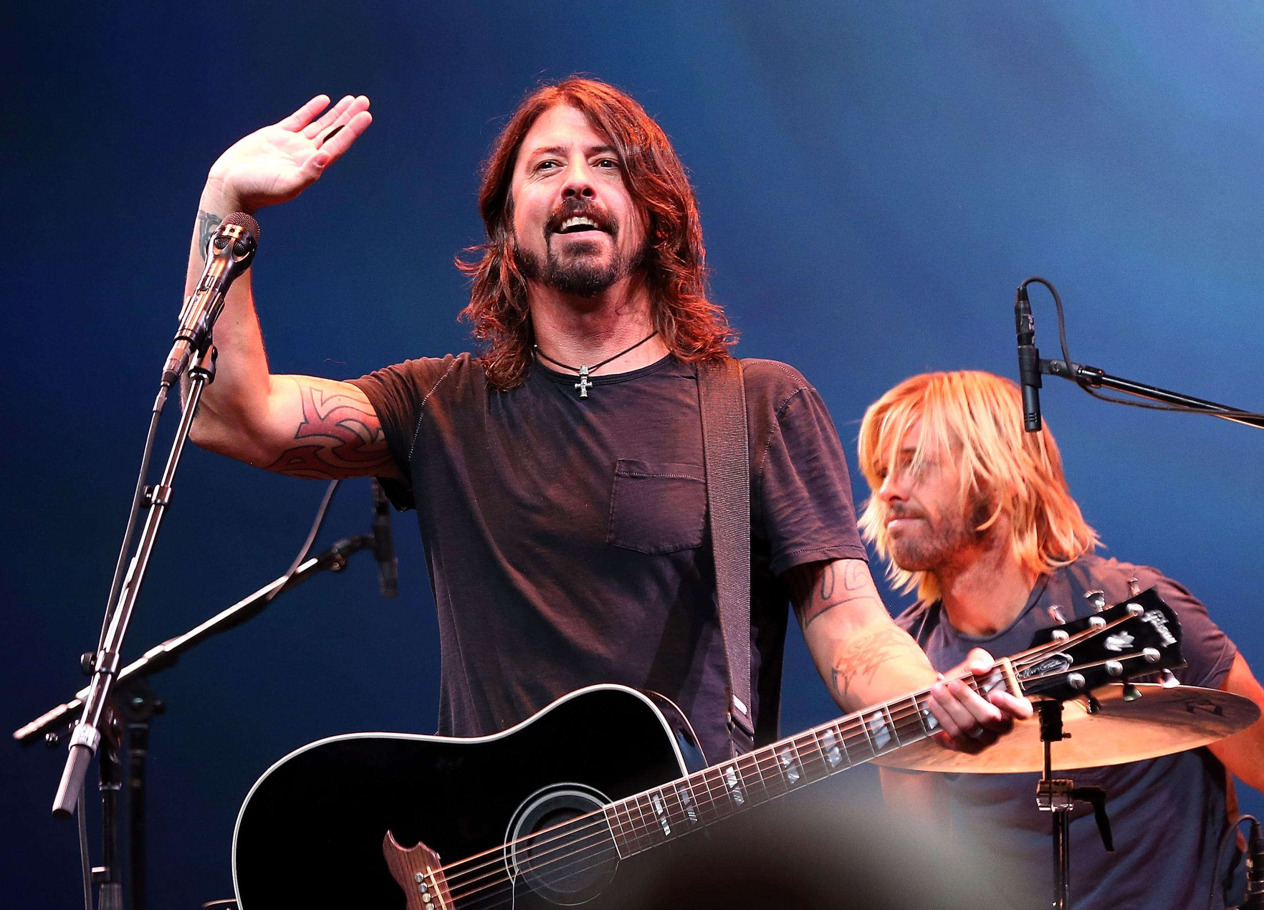 Dave Grohl invites five-year-old Foo Fighters fan onstage to celebrate his first-ever gig