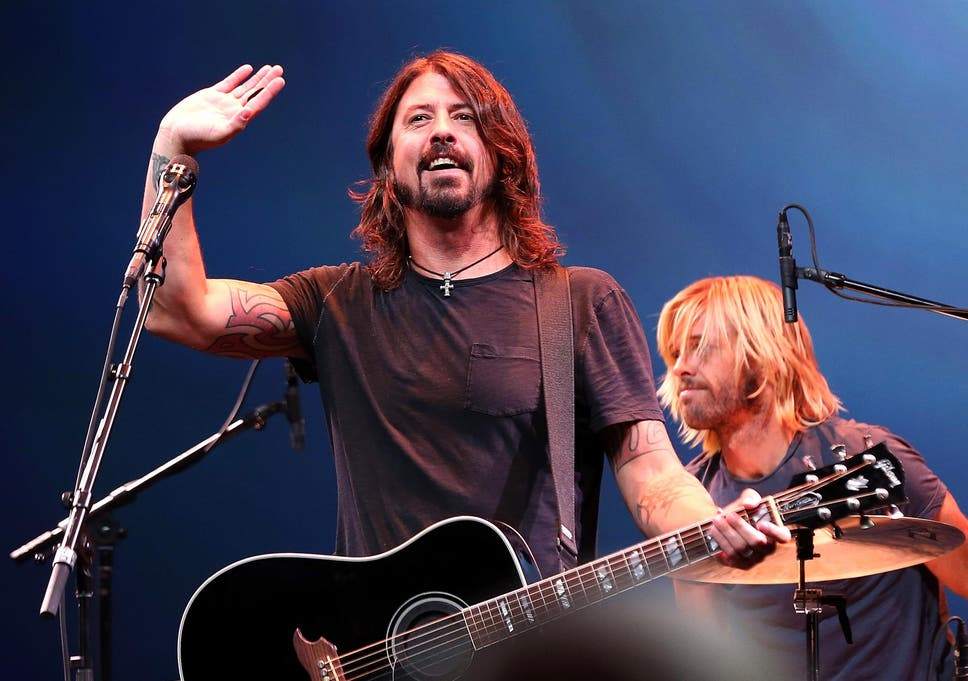 Dave Grohl Invites Five Year Old Foo Fighters Fan Onstage To