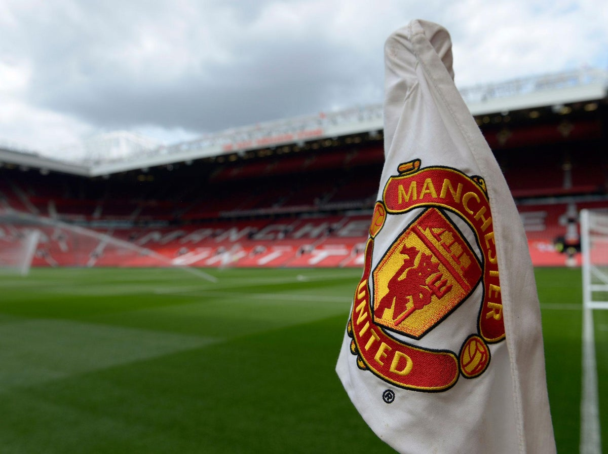 manchester united fans want old trafford to be the largest stadium in europe but there s a problem the independent the independent manchester united fans want old
