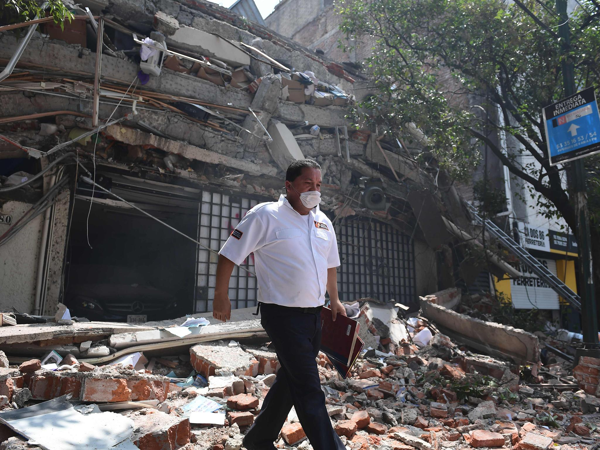 Mexico City earthquake: Salma Hayek donates $100,000 to