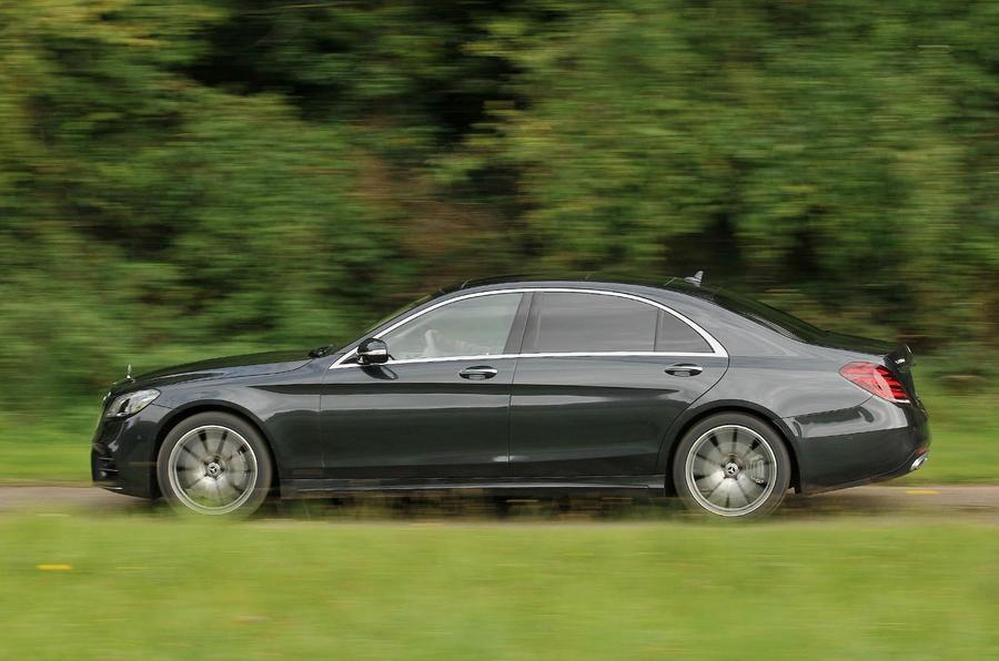 Review mercedes benz s350d l amg line the independent for Mercedes benz battery life