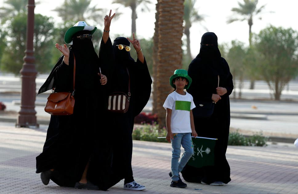 Eight things women still cant do in saudi arabia the independent saudi arabia women arrive to a rally to celebrate the 87th annual national day of saudi malvernweather Gallery