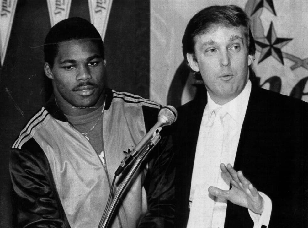 Donald Trump announces a signing during his time as owner of the New Jersey Generals, in 1983