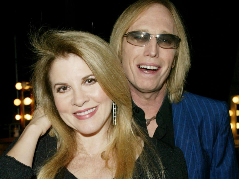 Tom petty dead how the singer inspired stevie nicks song edge of the tracks title came from a conversation the fleetwood mac star had wife pettys first wife in 1979 m4hsunfo