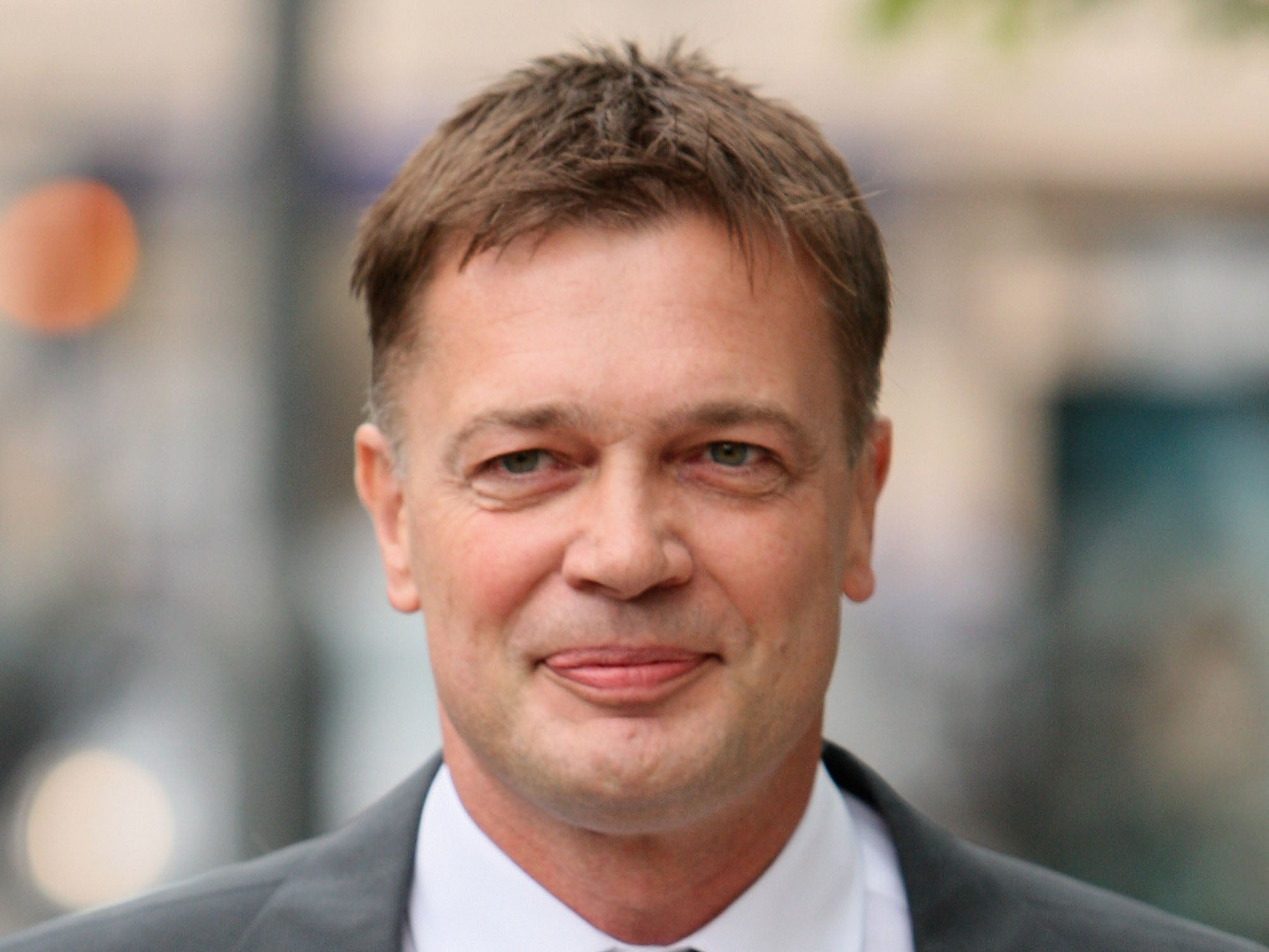 How Disgraced Anti Vaxxer Andrew >> Who Is Andrew Wakefield And What Did The Disgraced Mmr Doctor Do