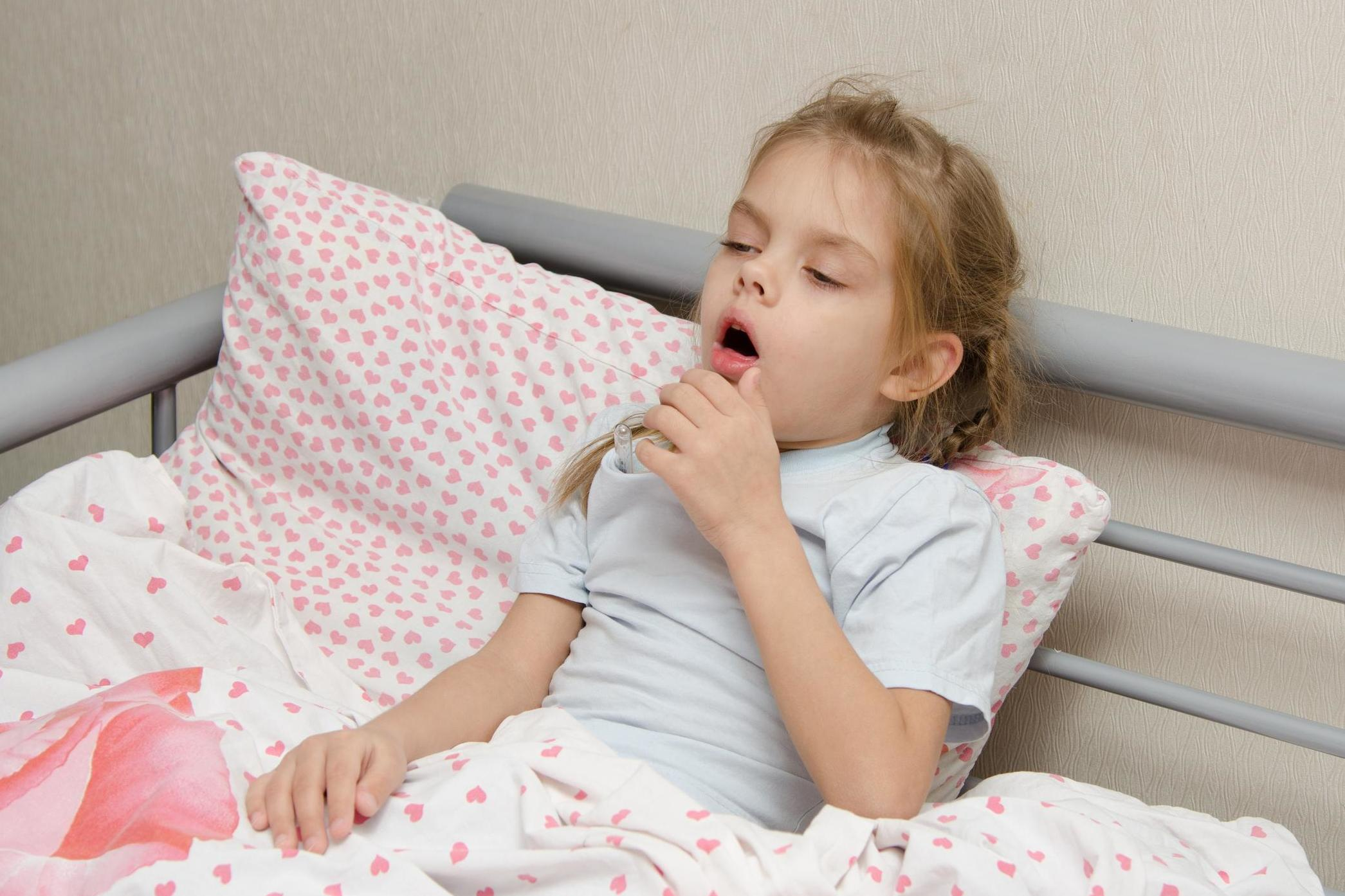 How to treat false croup in a child