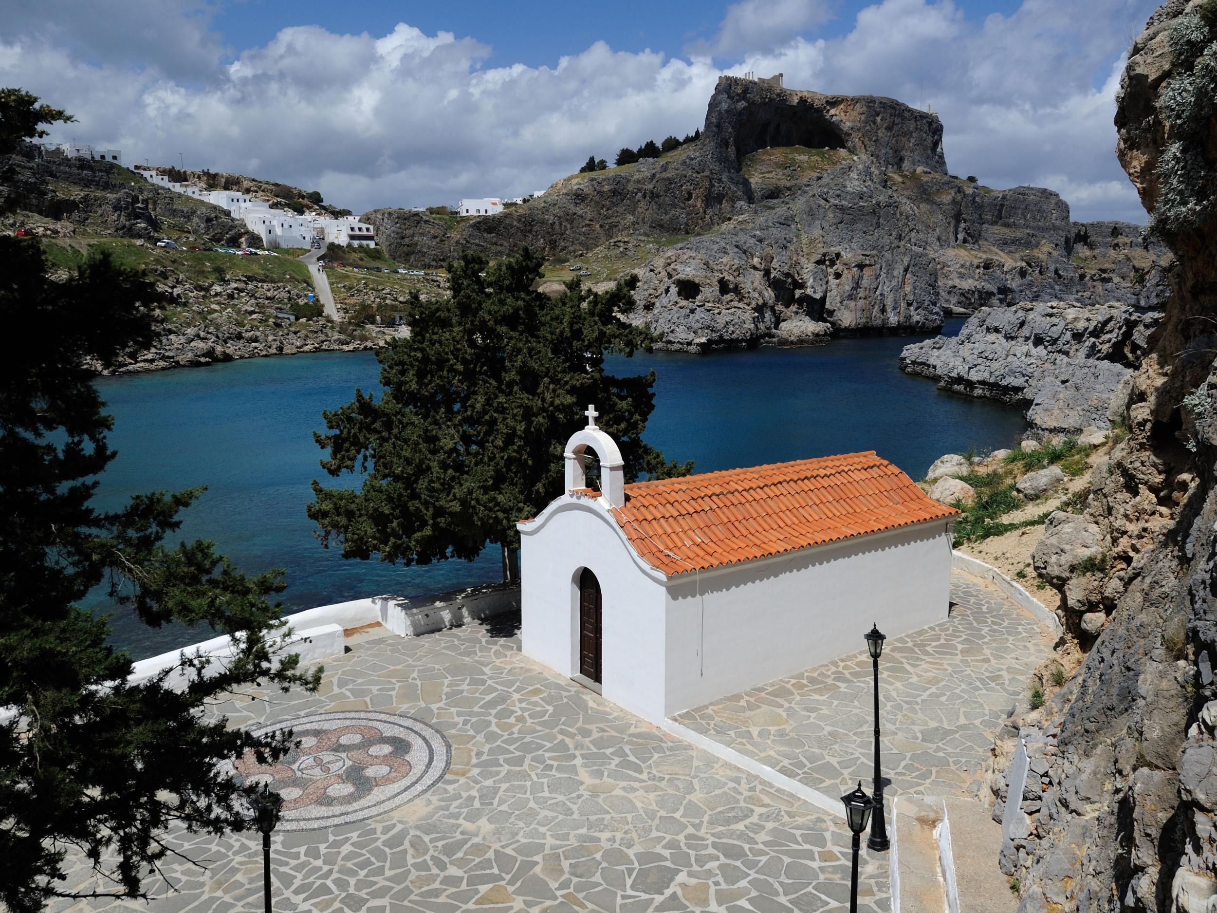 All foreign weddings banned in Greek Island chapel after 'sex' photo