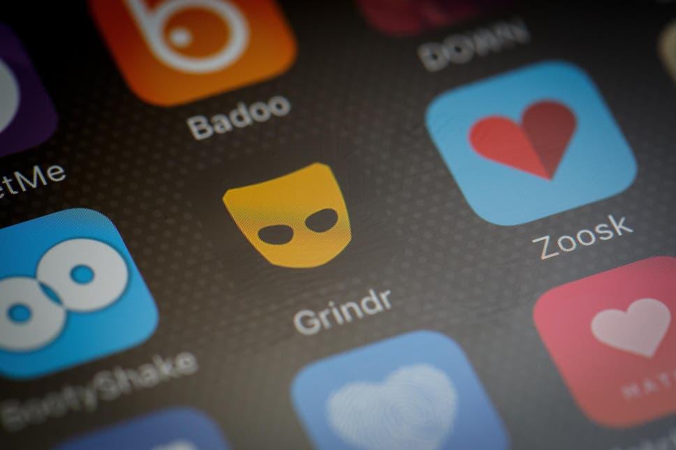 teen-couple-dating-apps-for-nerds-male-locker