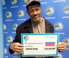 20-year-old wins $450m lottery prize and updates Facebook
