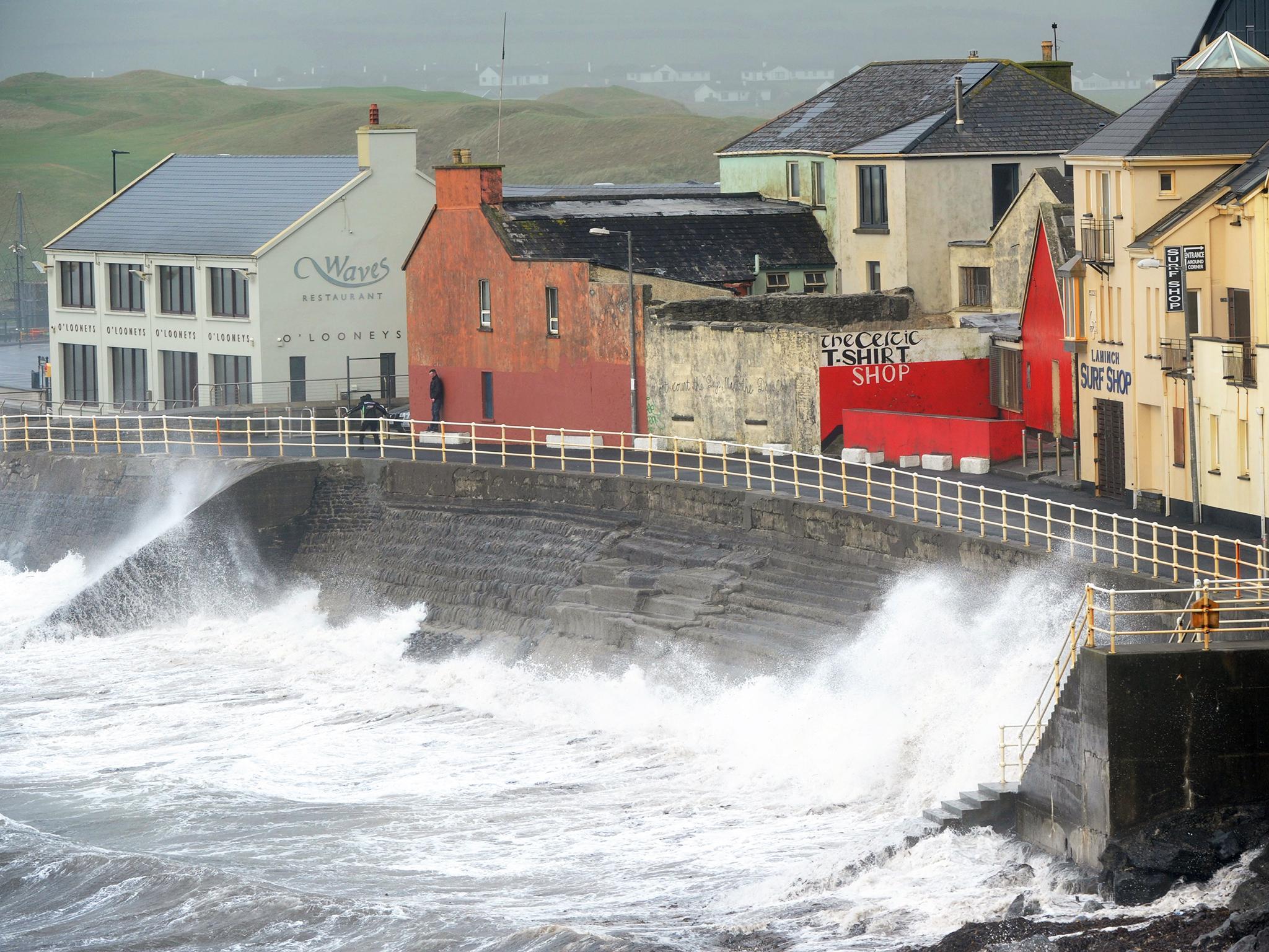 Death toll rises as Ophelia ravages Ireland