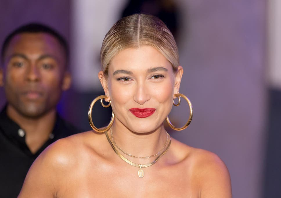 Hoop Earrings Criticised As Cultural Appropriation The Independent