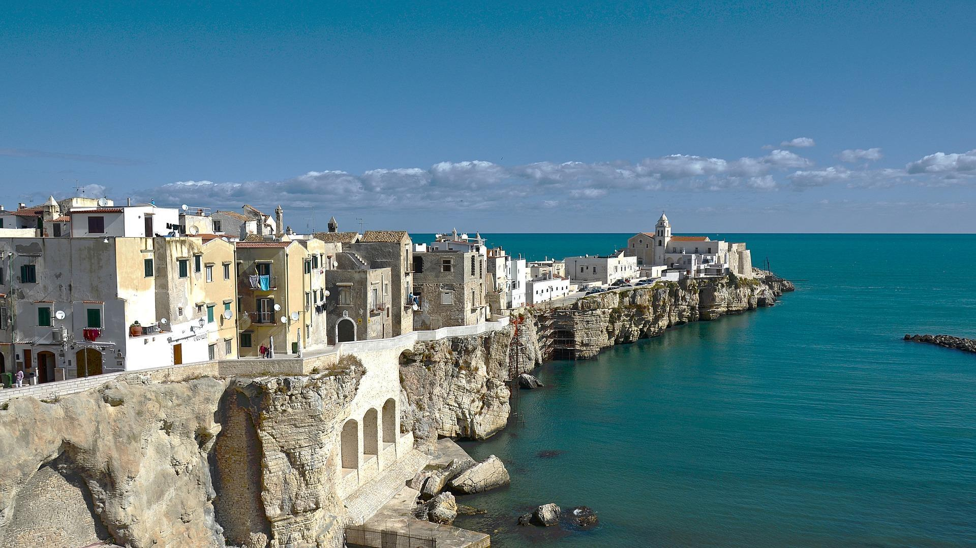 Italian mayor offers €2,000 to anyone willing to live in small idyllic village in Puglia