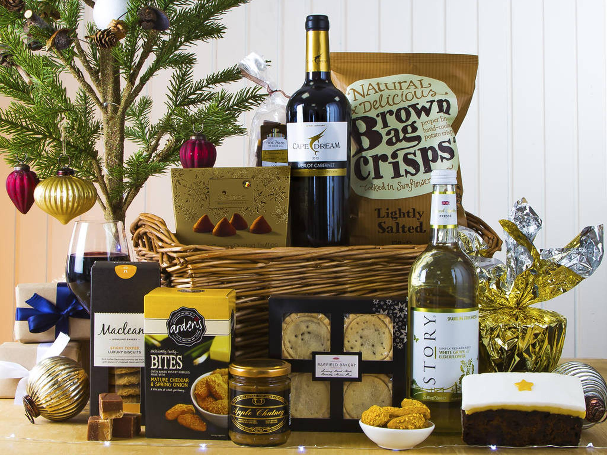 11 best christmas food and drink hampers the independent virginia hayward classic christmas hamper 55 not on the high street solutioingenieria Image collections