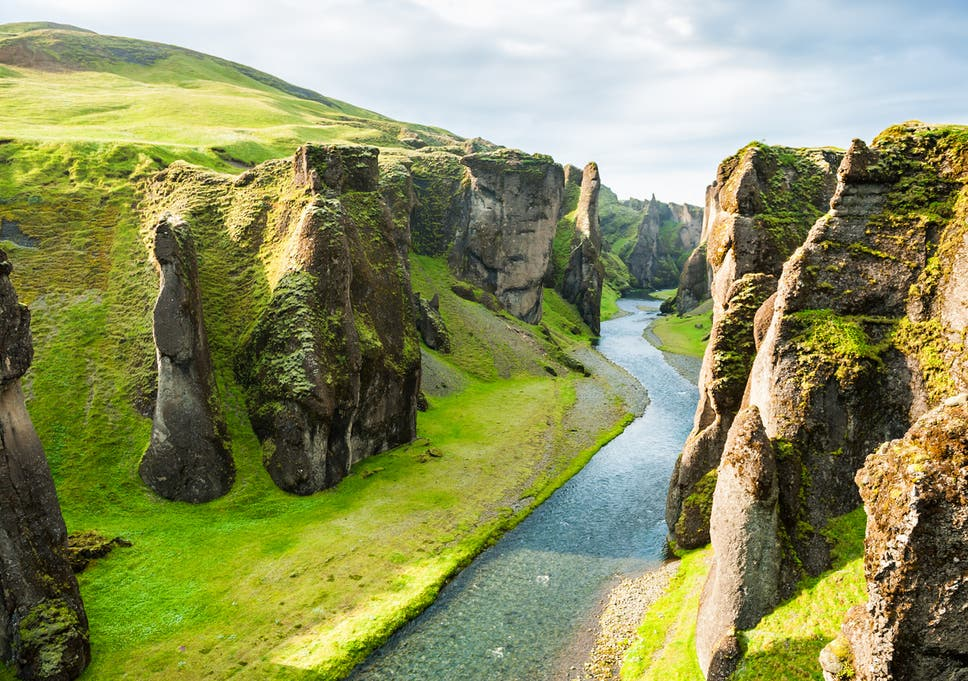 Icelanders hit out at 'reckless' tourists after death-defying
