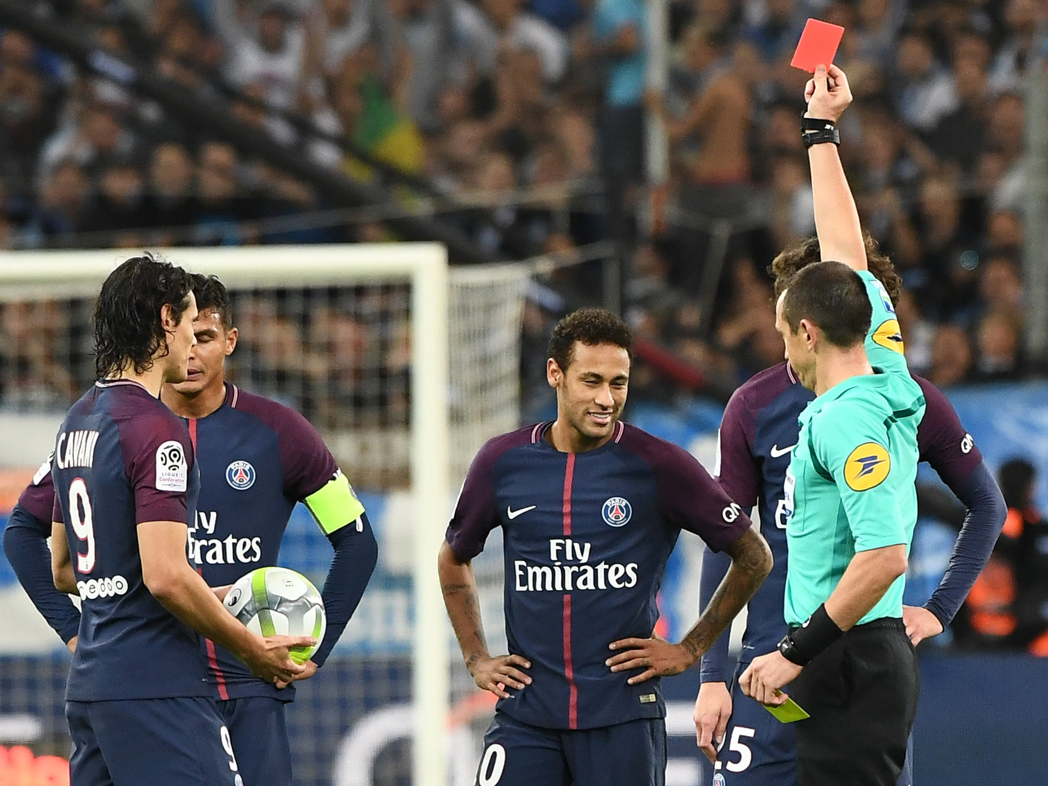 Neymar claims Marseille fans threw baguettes at him after being