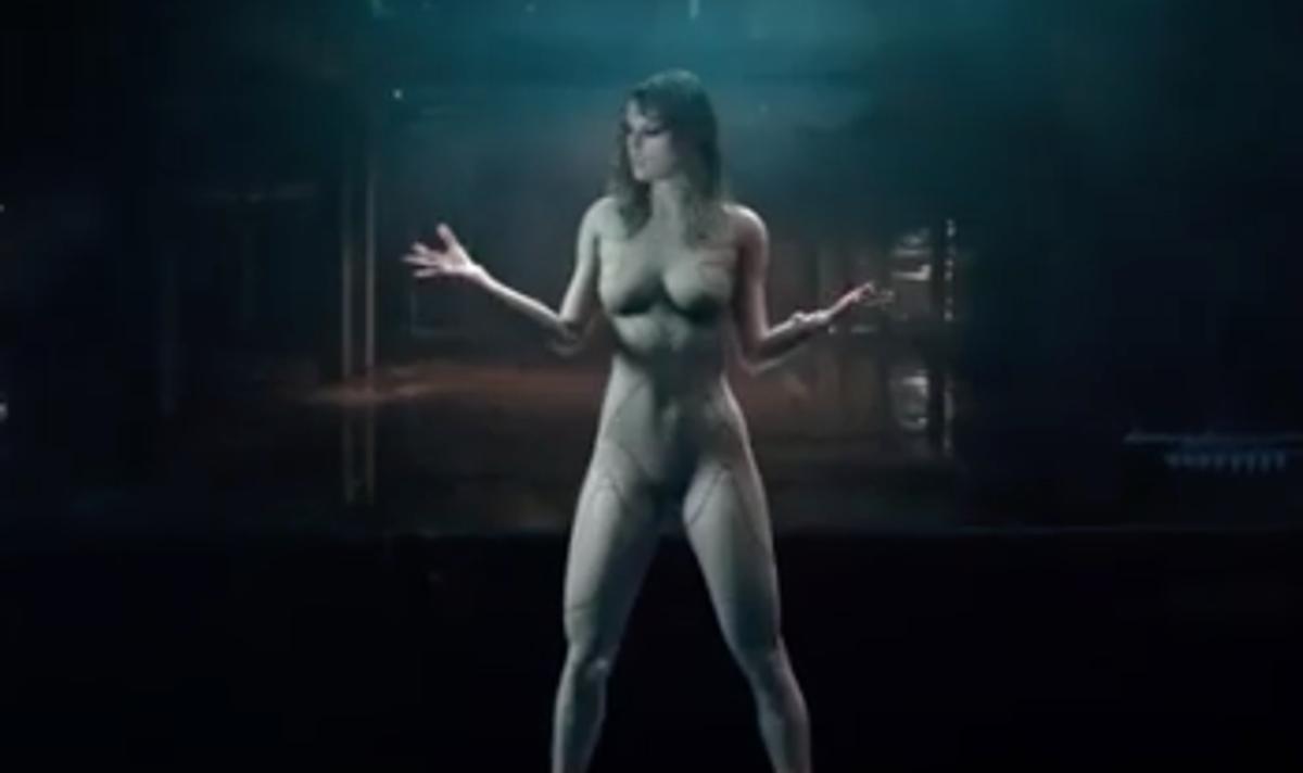 Nude ghost