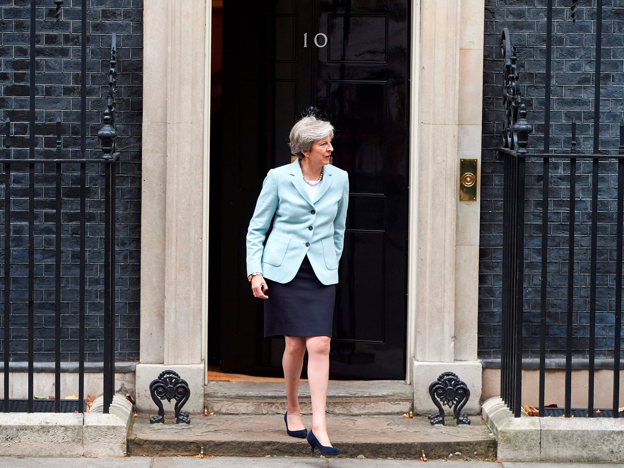 Up to 40 Tory MPs now ready to sign letter of no confidence in ...