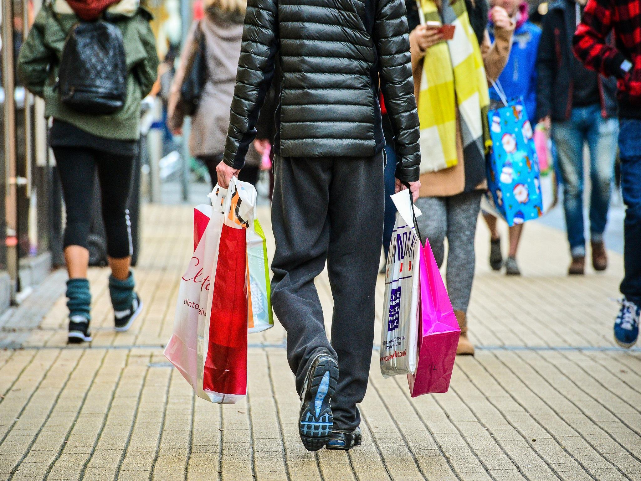 Fashion Beauty Rate: UK Consumer Confidence Slips Back As Concerns Grow For