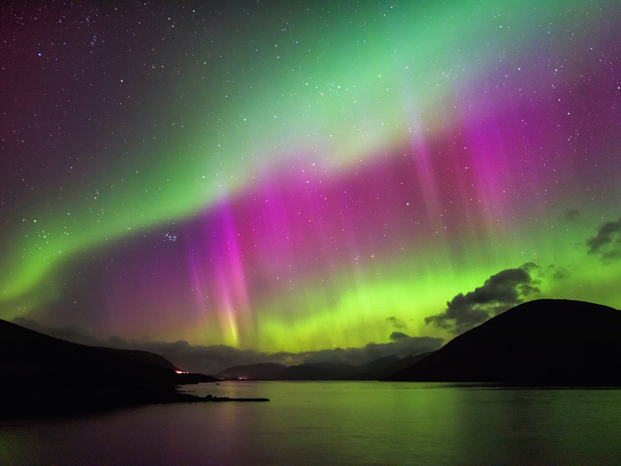Northern Lights Over UK: How To See The Aurora Borealis Tonight | The  Independent